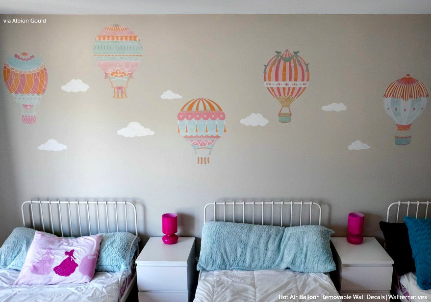 cute-girls-room-decor-hot-air-balloons-wall-decals